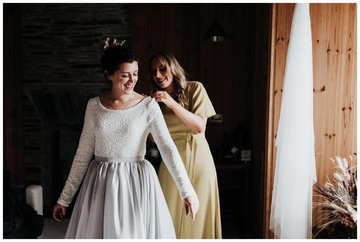 bride getting ready at fforest